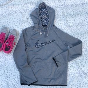 Nike Grey, White Hoodie Therma-Fit  Small